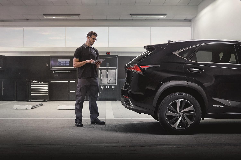 Manutenção do carro e revisão automóvel pelas oficinas Lexus na Caetano Auto