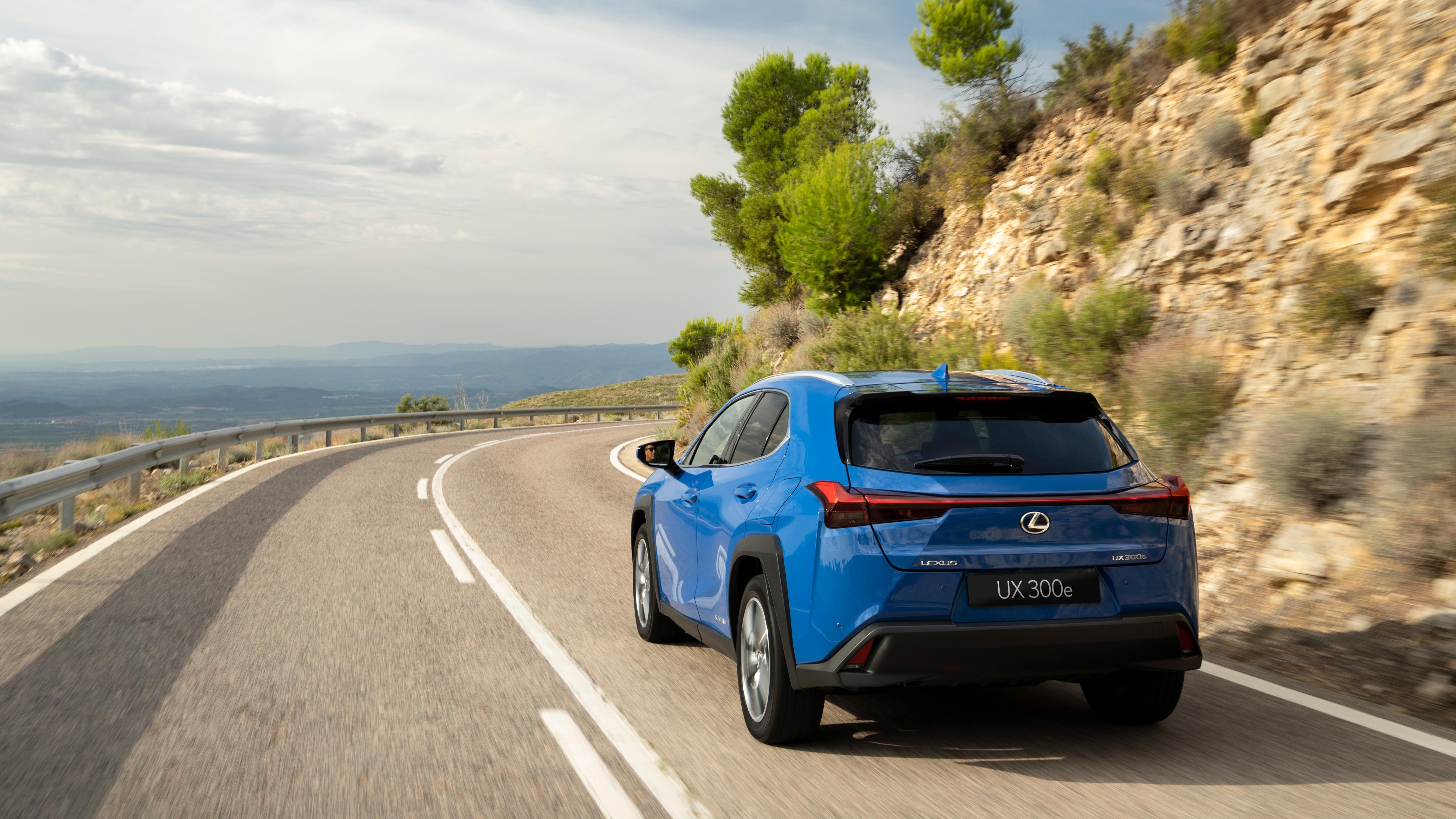 Lexus UX ideal para viagens de carro nas férias